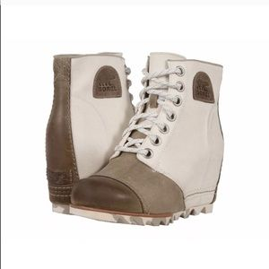 Sorel 1964 Joan of arctic wedge ankle boots 8